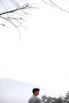 Gong Yoo captures the warmth of spring with 'Epigram' Gong Yoo Smile, Yoo Gong, Lee Dong Wook, Ji Chang Wook, Gong Yoo Shirtless, Gong Yoo Goblin Wallpaper, Kdrama, Goblin Korean Drama, Goong Yoo