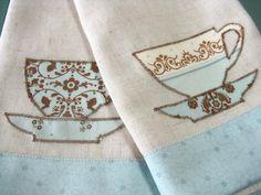 applique | Tea Time Kitchen Appliqué: Banded Linen Napkins | Sew4Home