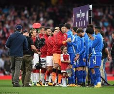 Arsenal and Leicester have organized a show in an opening match of the championship of England