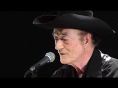 Stompin' Tom Connors - Hockey Mom Tribute (Live 2005)