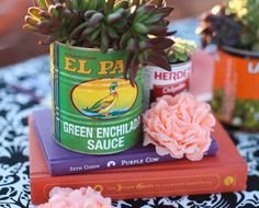 Turn Mexican food cans into colorful vases - Cinco de Mayo fiesta