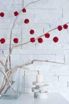 DIY decorative pom p