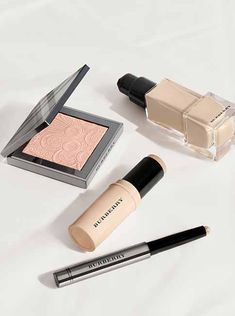 The #FreshGlow collection from #BurberryBeauty