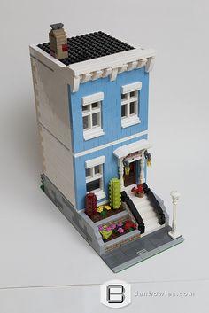 Morris Place | by Dan P. B. Lego Modular, Lego Design, Modular Design, Lego City, Lego Furniture, Minecraft Furniture, Furniture Ideas, Lego Table Ikea, Casa Lego