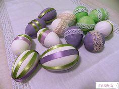 Uova decorate_ polistirolo dipinto e decorato con applicazioni di nastrini e pizzi di cotone_ oggimisentocreativa.blogspot.com
