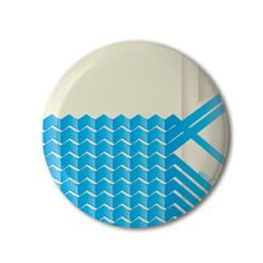 ♥ Stereohype button badge of the day is Water by José Carlos Cunha from competition winners 2005. #STBBDC http://www.stereohype.com/pages/bcomp05josecarlocunha.asp