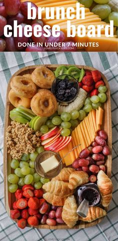 7 Minute Brunch Cheese Board - Lovely Lucky Life - - Looking for an easy brunch to feed a crowd? Try a brunch cheese board - this post has topping ideas to make a delicious breakfast cheese board! Charcuterie Recipes, Charcuterie And Cheese Board, Cheese Boards, Charcuterie Vegan, Cheese Board Display, Little Muffins, Party Food Platters, Party Food Boxes, Crudite