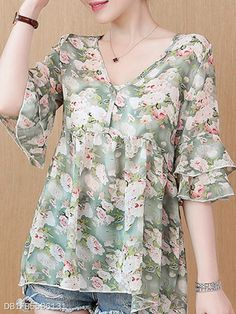 V Neck Floral Printed Blouses Blouse Styles, Blouse Designs, Cheap Womens Tops, Chiffon Maxi Dress, Cute Summer Outfits, Trendy Tops, Printed Blouse, Floral Blouse, Street Style Women