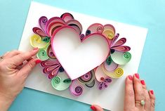 Comment faire facile Quilling - Comment faire facile Quilling The Effective Pictures We Offer You About diy projects A quality pic - Arte Quilling, Paper Quilling Patterns, Quilled Paper Art, Quilling Paper Craft, Paper Crafts, Quilling Flowers, Quilling Ideas, Quilling Letters, Paper Beads