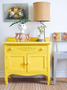 Chalk Paint in Tilton cabinet Chalk Paint in Tilton cabinet Helen Livsey helenroselivsey Kitchen Ideas Past Painter in Residence Jelena Pticek of Poppyseed Creative Living nbsp hellip painted furniture Yellow Chalk Paint, Chalk Paint Colors, Yellow Painting, White Chalk, Bright Painted Furniture, Chalk Paint Furniture, Colorful Furniture, Vanessa Bell, Annie Sloan Furniture