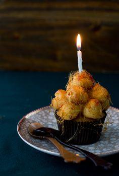 Cupcakes croquembouche - Megasilvita Profiteroles, Croquembouche Recipe, Paris Brest, Dessert Presentation, Cupcakes, Choux Pastry, Relleno, Patisserie, Baked Goods