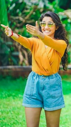 💕Follow me Nimisha Neha💕 Girl Photo Poses, Girl Photos, Innocent Love, Indian Women Painting, Fashion Drawing Dresses, Actress Pics, Indian Teen, 90s Outfit, Stylish Girl Pic