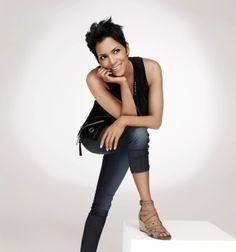 Halle Berry Feet, Halle Berry Style, Celebrity Feet, Celebrity Style, Hale Berry, Bond Girls, Celebs, Celebrities, Beautiful Black Women