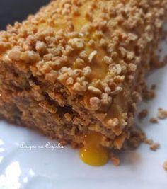 Amigos na Cozinha: Torta de amêndoa com doce de ovos Portuguese Recipes, Portuguese Food, Cupcakes, Strudel, Cheesecakes, Banana Bread, Rolls, Food And Drink, Pie