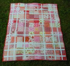 ❤ =^..^= ❤   Life in the Scrapatch: The Baby Sister Quilt is Done: Strawberry Shortcake.