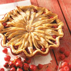 How to Make a Flower Pie Crust from Taste of Home - Tired of lattice pie crusts? Try this easy-to-make decorative pie crust.
