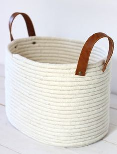 DIY No-Sew Rope Coil Basket - DIY Gift World