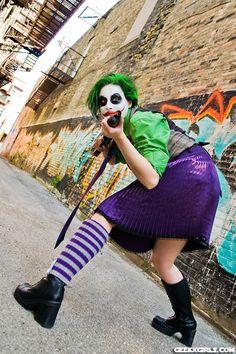 Female Joker vs Batman Cosplay Female Joker Cosplay, Batman Cosplay, In The Pale Moonlight, Cosplay Costumes, Cosplay Ideas, Costume Ideas, Gotham, Harley Quinn, Halloween 2017