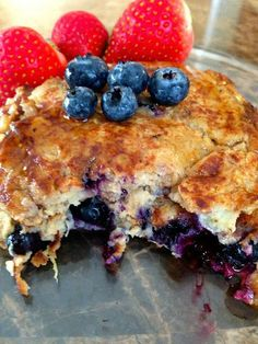 The Era For Sarah: Fit Friday- Oatmeal Blueberry Pancakes Blueberry Oatmeal Pancakes, Pancakes And Waffles, Health Pancakes, Low Calorie Breakfast, Breakfast Recipes, Yummy Treats, Yummy Food, Sweet Treats, Protein Cake