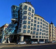Budova, Tancujúci Dom, Praha, Architektúra