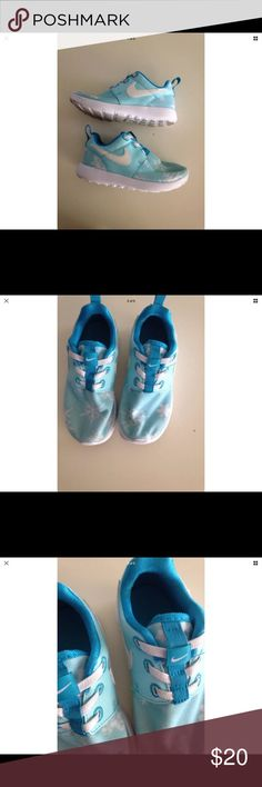 Nike Girls Shoes Size 10 Excellent condition  No flaws! Nike Shoes Sneakers