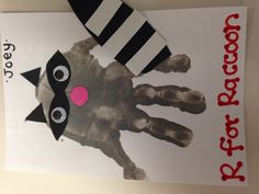 R for raccoon handprint art. r for raccoon handprint art forest animal crafts Woodland Animals Theme, Forest Animals, Woodland Creatures, Daycare Crafts, Classroom Crafts, Daycare Themes, Classroom Fun, Animal Art Projects, Animal Crafts