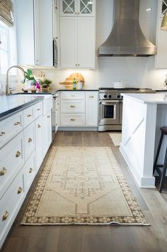 181 best rug runners images in 2019 area rugs rugs persian carpet rh pinterest com
