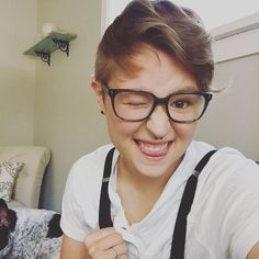 in defence of special snowflakes ash hardell Elise Bauman, Lgbt Quotes, Special Snowflake, Genderqueer, Androgynous Fashion, Attractive People, Girl Crushes, Youtubers, Short Hair Styles