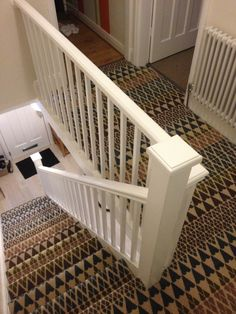 Modern Wall to Wall Carpet Trends Carpet Staircase, Hall Carpet, Diy Carpet, Modern Carpet, White Carpet, Cheap Carpet, Staircase Runner, Carpet Decor, Stair Railing