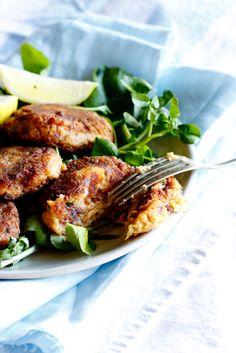 Smoked Snoek fish cakes with apricot tartar sauce. Fish Recipes, Seafood Recipes, Cooking Recipes, Smoker Recipes, Seafood Dishes, Fish And Seafood, Cambodian Food, Ukrainian Recipes, Smoked Fish