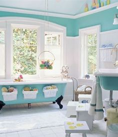 Beautiful bathroom design. Bonus: Bath toy storage ideas