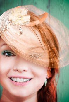 Sombrero en Photoshop,  hecho con una concha y utilizando la fusión de capas.