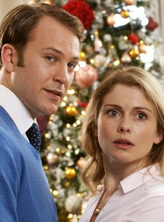 Netflix's wildly popular A Christmas Prince film series will return for a third film, appropriately titled A Christmas Prince: The Royal Baby. Princess Movies, Prince And Princess, Hd Movies Online, Netflix Movies, Holiday Movie, Christmas Movies, Christmas Room, Prince Film, Wallpaper Natal