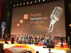 Digital Wap Center presente y nominado a los Premios Siempre Más! VII edición Orange.  Enhorabuena a Adrián Torres premiado por su gran esfuerzo y trabajo. ¡número uno en España! Vintage Microphone, Album, Door Prizes, Tecnologia, Card Book
