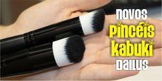 Quem adora o mundo das maquiagens não resiste quando vê um monte de pincéis juntos *-* Sou dessas que fico doida e querendo ''ver com as mãos'' assim que eles entram no meu campo de visão kkkkk A Dailus lançou dois novos modelos, e eu cliquei para vocês:   #dailus #divadailus #divacomdailus #maquiagem #makeup #kabuki #pincel #amomake #amomaquiagem #resenha #review