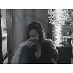 Ella no quiere fotos...es más se las tengo que robar mientras nos morimos de la risa. Pero yo le digo que con lo bella que es por dentro por fuera no puede salir de ninguna otra forma...  #miglioreamica #sorelle #amichepersempre #belleragazze @zairitalucky #ornellacucinaepiu#piuornella by michellec_p