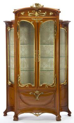Majorelle Walnut, Gilt and Bronze Vitrine 1900 French Furniture, Furniture Styles, Vintage Furniture, Antique Furniture, Furniture Design, Royal Furniture, Furniture Removal, Cheap Furniture, Furniture Ideas