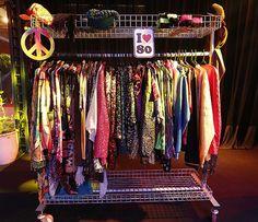 Arara com roupas de diversas épocas agita a Festa Mix de Gerações no BBB 16
