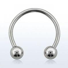 Barra circular. 14g (1,6 mm de grosor), con dos bolas de 5mm en acero quirúrgico. Diámetro a elegir. Ideal para tu piercing de pezón, septum, lóbulo o genital.