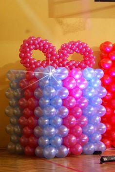 Paczka prezent z balonów