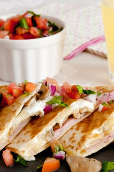 quesadilla mexicanas results - ImageSearch Baby Food Recipes, Mexican Food Recipes, Great Recipes, Favorite Recipes, Toddler Meals, Kids Meals, Easy Meals, Quesadillas, Authentic Mexican Recipes