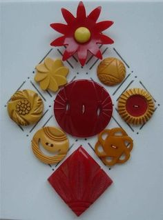 I never get tired of Bakelite buttons, they're so tactile in the hand and so rich in colour.
