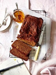 Honey cake is a traditional Jewish recipe baked to celebrate Rosh Hashanah - Jewish New Year. Honey cake is a traditional Jewish recipe baked to celebrate Rosh Hashanah – Jewish New Year. Honey Recipes, Baking Recipes, Cake Recipes, Loaf Recipes, Sweet Recipes, Honey Cake, Delicious Magazine, Jewish Recipes, Loaf Cake