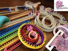 Loom Knit Techniques Tips & Formulas - Calculators - Ideas of Calculators - Loom Knit tips and techniques for the beginner advanced beginner and intermediate loomed. You'll also fine formula and calculators here. Help is here! Loom Knitting For Beginners, Round Loom Knitting, Loom Knitting Stitches, Spool Knitting, Knifty Knitter, Loom Knitting Projects, Knitting Videos, Cross Stitches, Free Knitting