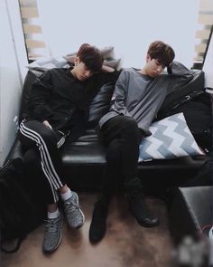 Names and pictures of all ships in Stray Kids *Reminder* Shipping doe… # Casuale # amreading # books # wattpad Kids Sleep, Baby Sleep, Kpop, Nct, Sung Lee, Selca, Stray Kids Seungmin, Blackpink Memes, Romance