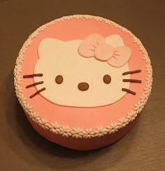 tarta fondant,pasta de azucar, tartas personalizadas, Hello Kitty, dibujos animados, cumpleaños, infantil, sorpresa niños Torta Hello Kitty, Ideas Para Fiestas, Fondant Cakes, How To Make Cake, Sweets, Desserts, Cake Ideas, Cookies, Cakes