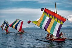 Steve McCurry - Boats on the Sulu Sea, Philippines, 1985 Steve Mccurry, World Press Photo, Uk Visa, Filipino Culture, Asia, Sail Away, Windsurfing, Color Photography, Photography Photos