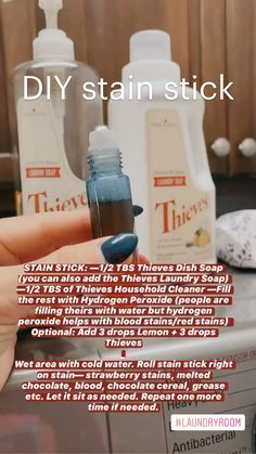 Young Living Oils, Young Living Essential Oils, Young Living Detox, Essential Oils Cleaning, Essential Oil Chart, Thieves Essential Oil, Essential Oil Uses, Homemade Cleaning Products, Natural Cleaning Products