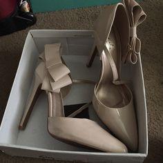 Heels Never worn! Nude, 3.5 inch heel! Shoes Heels