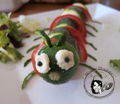 Zucchine e pomodori per dare vita al...bruco!